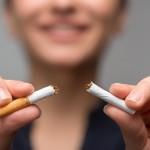 貧乏な人はタバコを吸う?